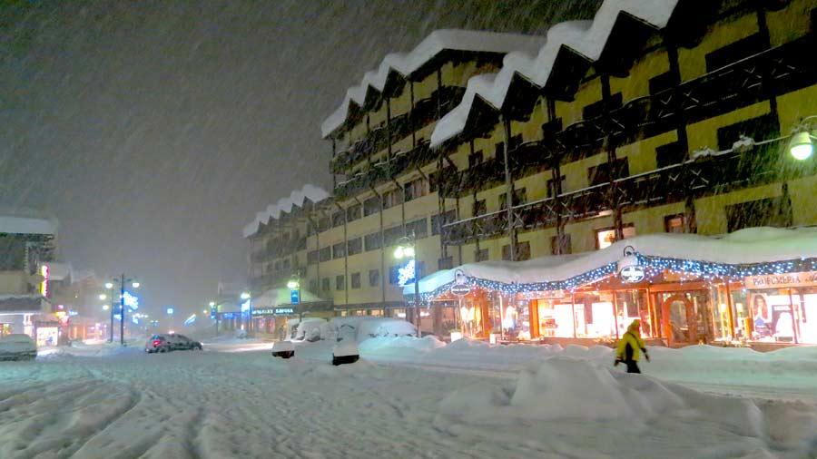 Hotel Savoia Campiglio sotto la neve