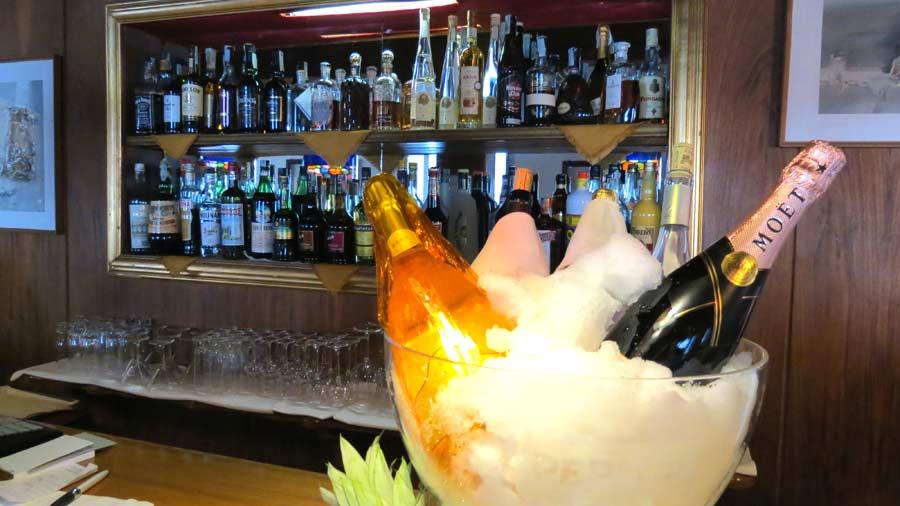 aperitivi al Savoia Palace Hotel